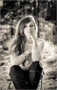 Girl in black&white